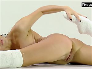 3 naked gymnasts perform splits and more..