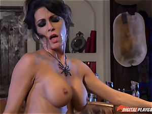 Halloween special with wonderful Jessica Jaymes tonguing her prize