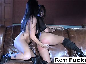 Romi Rain steamy lezzy bang-out