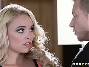 Bad wifey Alexis Monroe deals with her spouses client