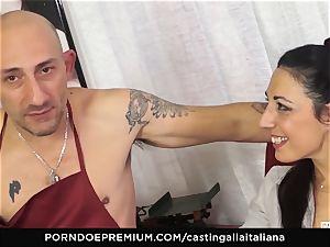 casting ALLA ITALIANA - Italian cougar newcomer luvs assfuck
