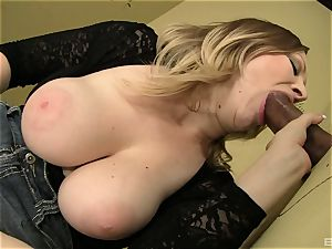 Vicky Vixen is draining in a public rest room