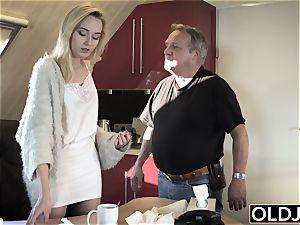 youthfull elderly porn Martha gives granddad a sloppy blowjob