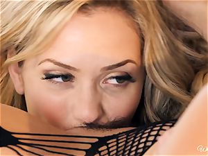 Bachelorette soiree antics with Mia Malkova and Georgia Jones