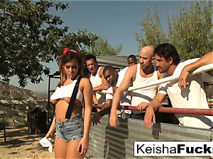 super sumptuous Keisha gets prepped for her gang-fuck