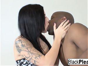 tatted star Aria indeed likes the ebony manhood