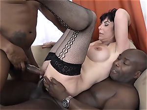 hotwife teaching Wathcing wife have very first multiracial