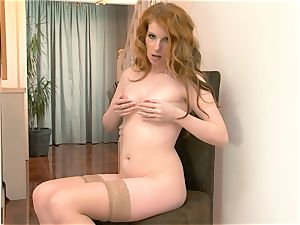 Nicole Hart plays with her red-hot sandy-haired labia