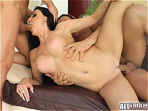 nailing Miss Aletta
