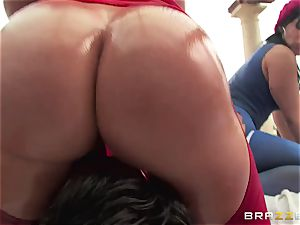 buttfuck intercourse with trio wild large bum beotches Krissy Lynn, Nikki Delano and Rose Monroe