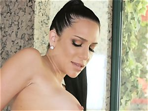 Jaclyn Taylor luvs saucy bang-out with her steaming stepdaughter
