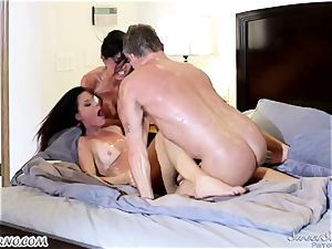 Veronica Avluv and India Summer - My dear husband, you want to try my friend's labia