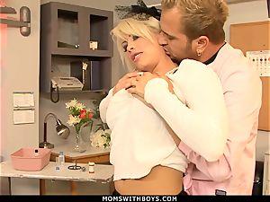 milf Brooke Haven Flirts And penetrates The college Nurse