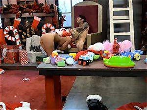 Santas dominatrix Phoenix Marie gets her candy flog