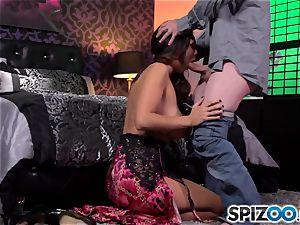 Spizoo-Watch Alison Tyler boinking a enormous man meat huge titties