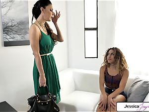 Jessica Jaymes and Liv Revamped drill a ginormous man-meat