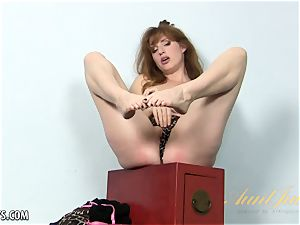crimson headed mature babe blows a load for aunt-in-law judys