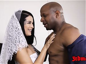 cuckold bride creampied by a bbc