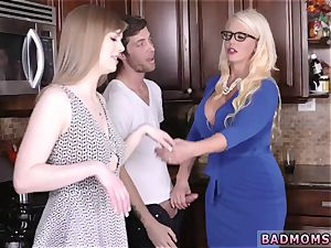 mom displays off body and loves companion playfellow s sons-in-law cum My playmate s step