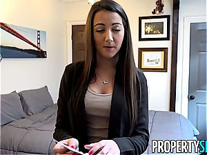 PropertySex Rocking assets of Lily Allen Bones Renter