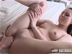 hot Liza Shay gets a puss massage