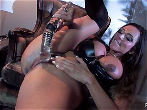 Ariella Ferrera humps herself with a phat glass fucktoy