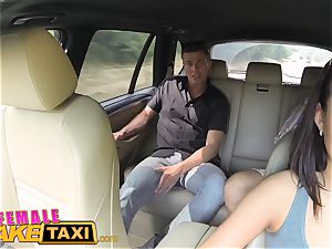 woman faux taxi expert cooter gobbling ejaculations