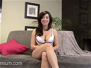 Taylor Vixen paw her cootchie and plays with her massive bra-stuffers