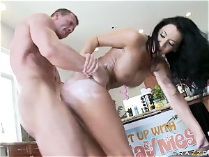 Culinary show presenter Jayden Jaymes gets her slit plunged with firm spunk-pumps