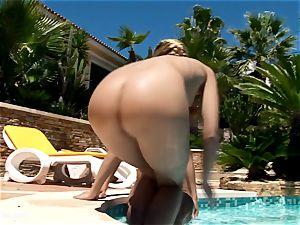 Summer gratification by lesbian Erotica lezzy love