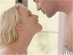 Mia Malkova seducing her red-hot renter