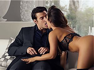 uber-sexy Eva Lovia is teaching her bf some manners before the party