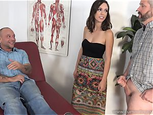 Jade Nile Has Her spouse blow hard-on and watch Her