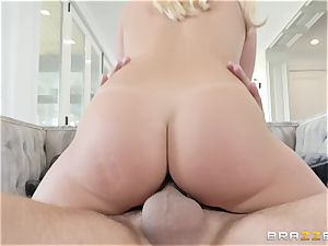Bailey Brooke spreading her legs wide to get screwed