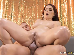 Valentina Nappi glides on the man meat of Xander
