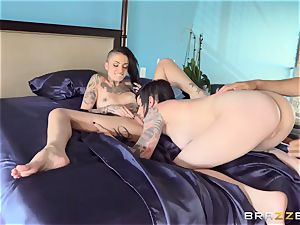 impressive pornography three way with tattooed punks Leigh Raven, Nikki Hearts and Xander Corvus