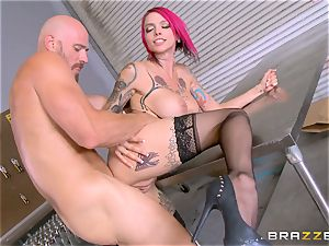 hot chief Anna Bell Peaks rails her employees fuck-stick