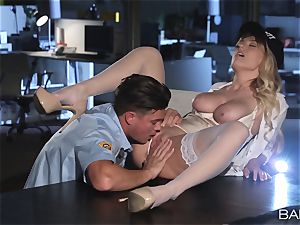 Natalia Starr banged by the night security guard